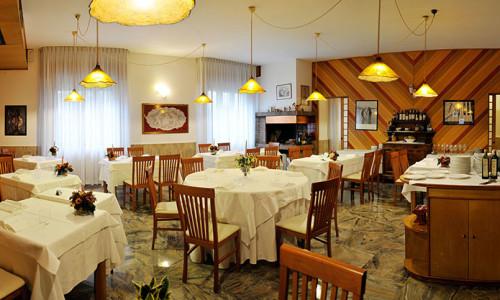 ristornate-locanda-aurilia-loreggia-sala-da-pranzo-2