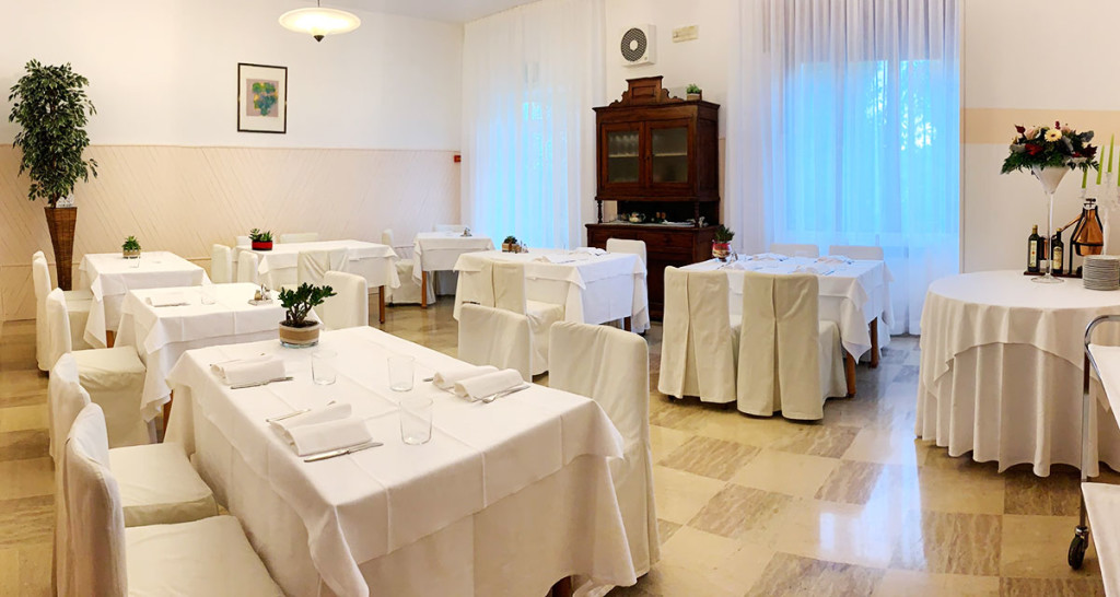 sala-da-pranzo-locanda-aurilia-loreggia